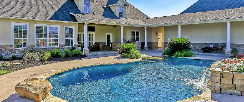 Houses With Pools